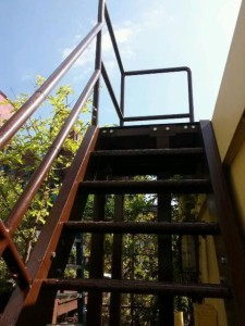 Freestanding Exterior Steel Staircases Sometimes Need To Be Completely  Selfsupporting With Tubular Steel Supports, Welded Boltable Steel Plates  Top And ...